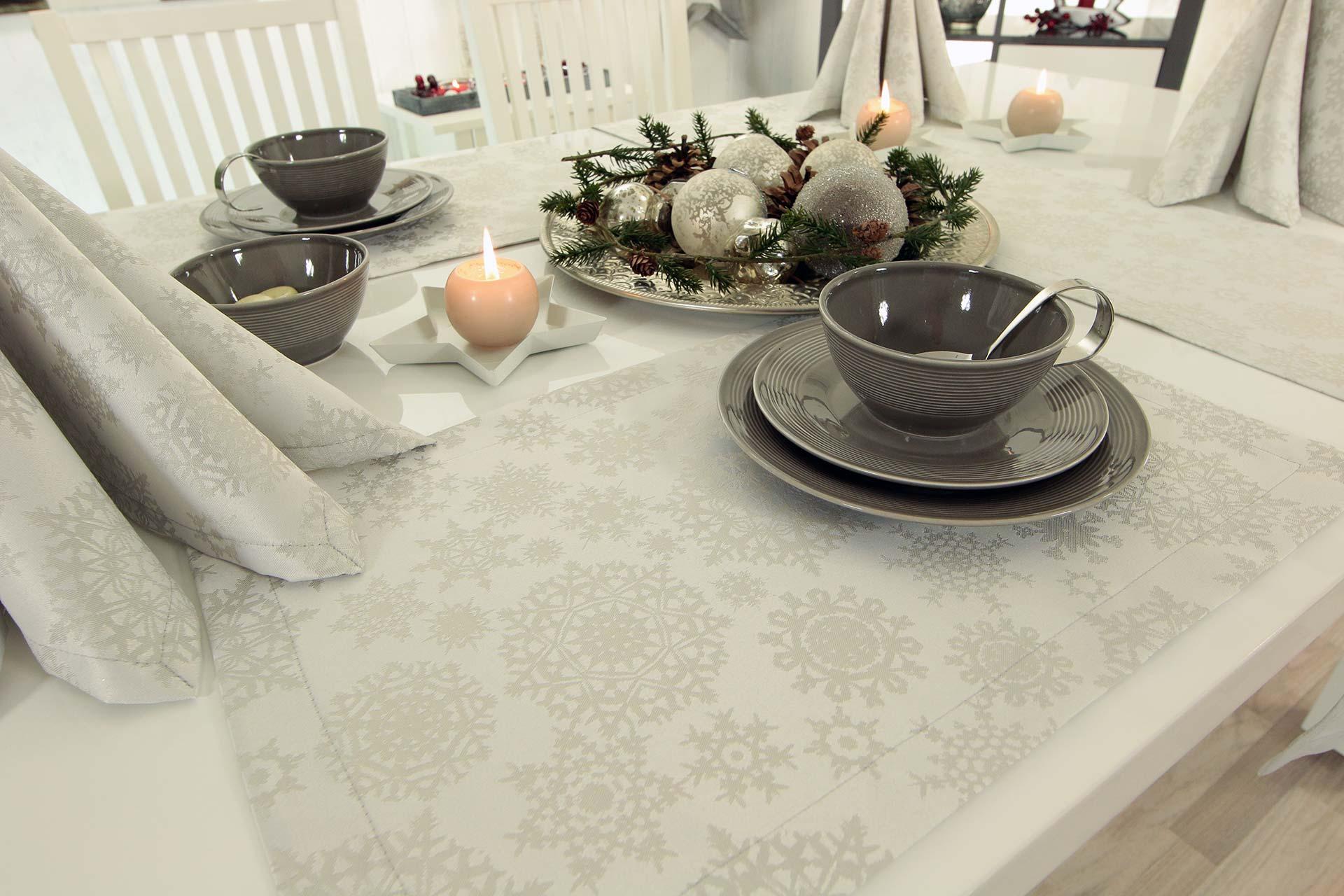 galerie die sch nsten weihnachtsbilder von tischdecken. Black Bedroom Furniture Sets. Home Design Ideas
